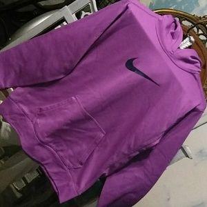 NWOT Women's Nike Therma Fit hoodie.